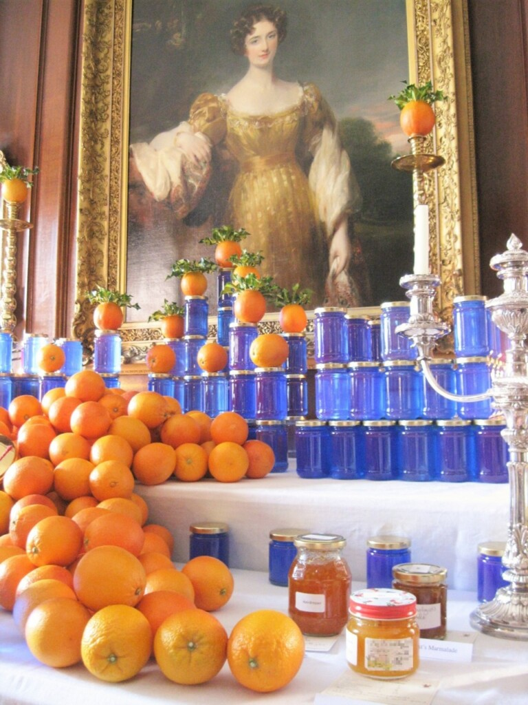 2016年はブルーのビンとオレンジのディスプレイ