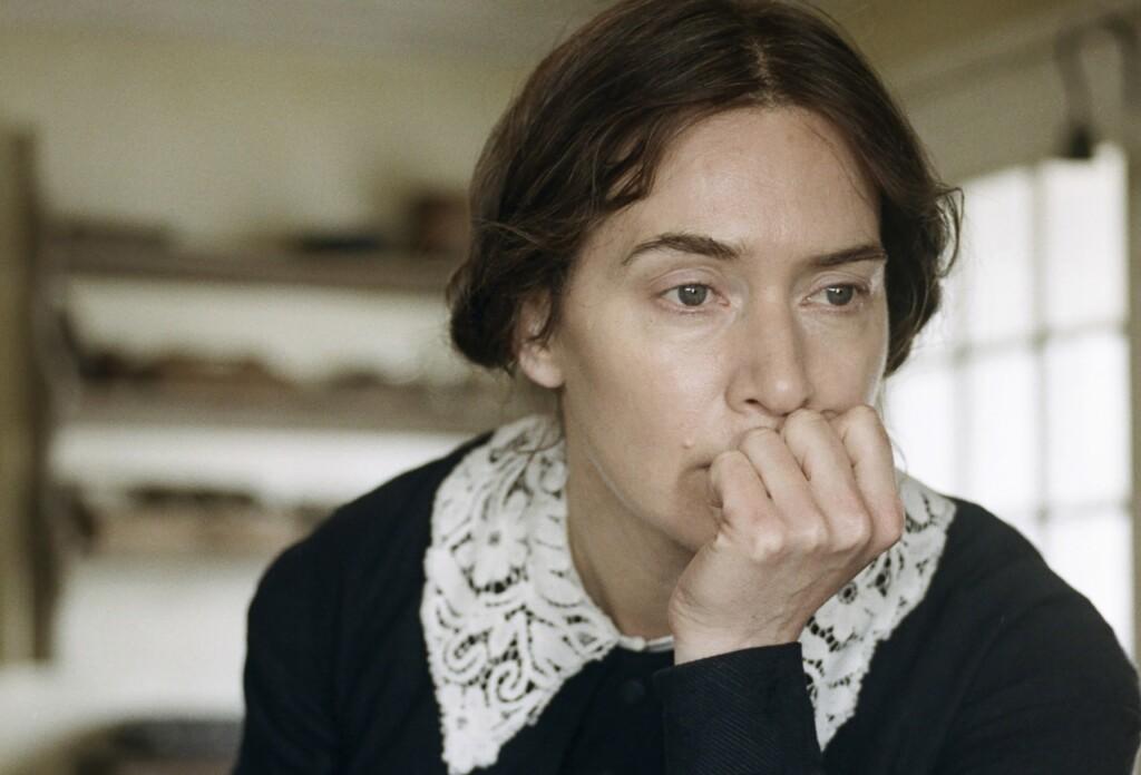 アンモナイトの目覚めのメアリーを演じるケイト・ウィンスレット