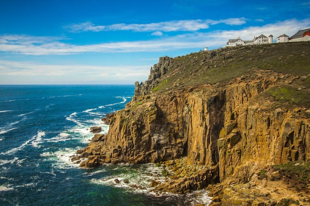 ランズ・エンドの海と断崖絶壁