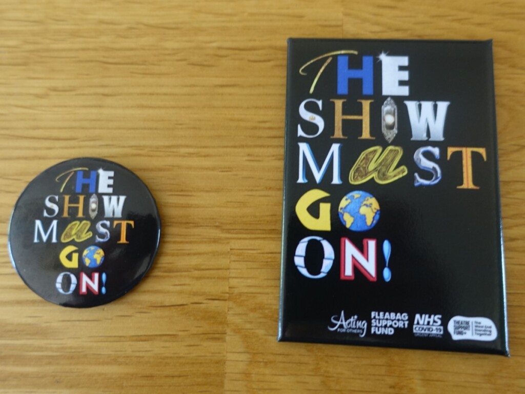 『The Show Must Go On』のマグネット