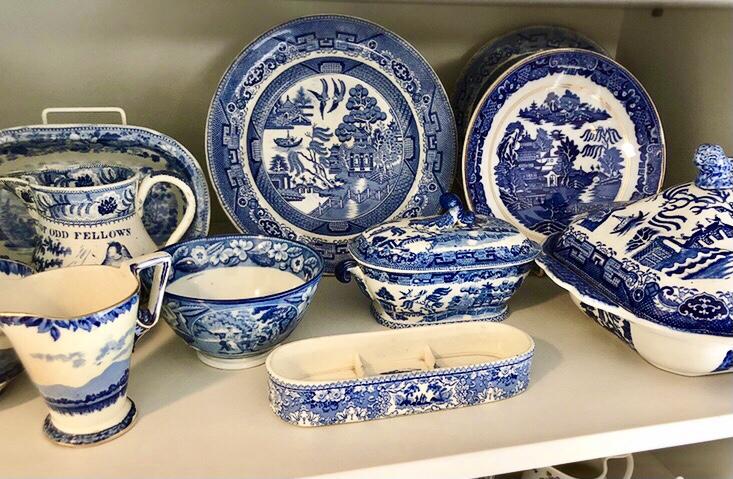 ブルー&ホワイトの陶磁器