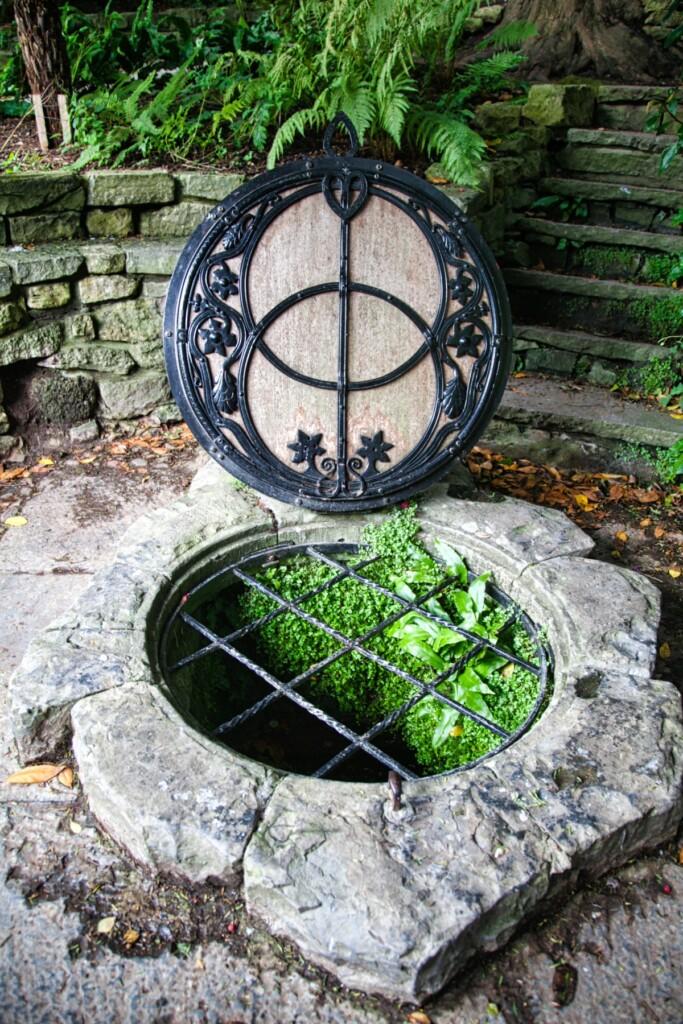 聖杯の泉の井戸