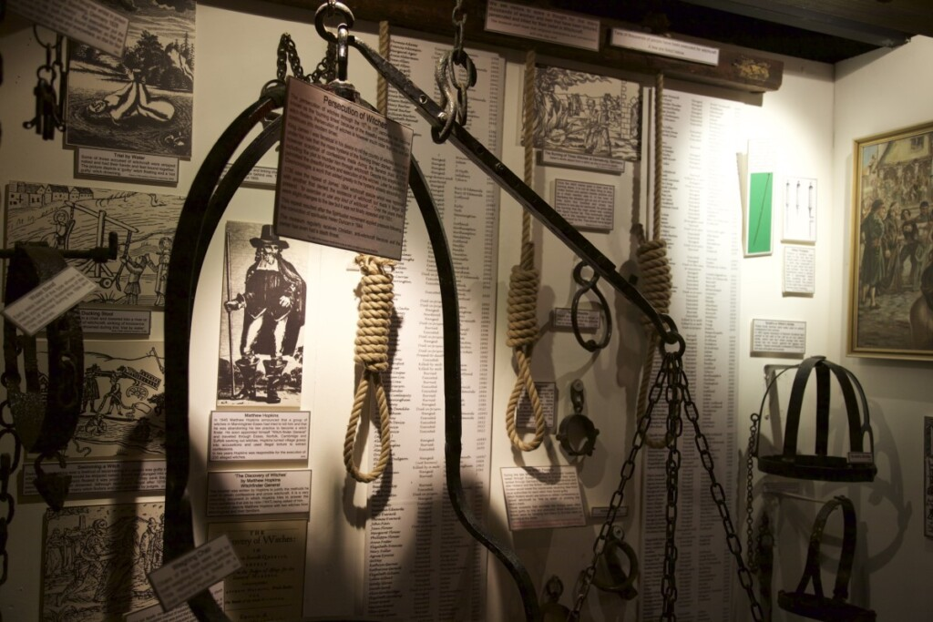 魔女博物館内部の展示