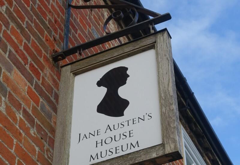 ジェイン・オースティン博物館の看板