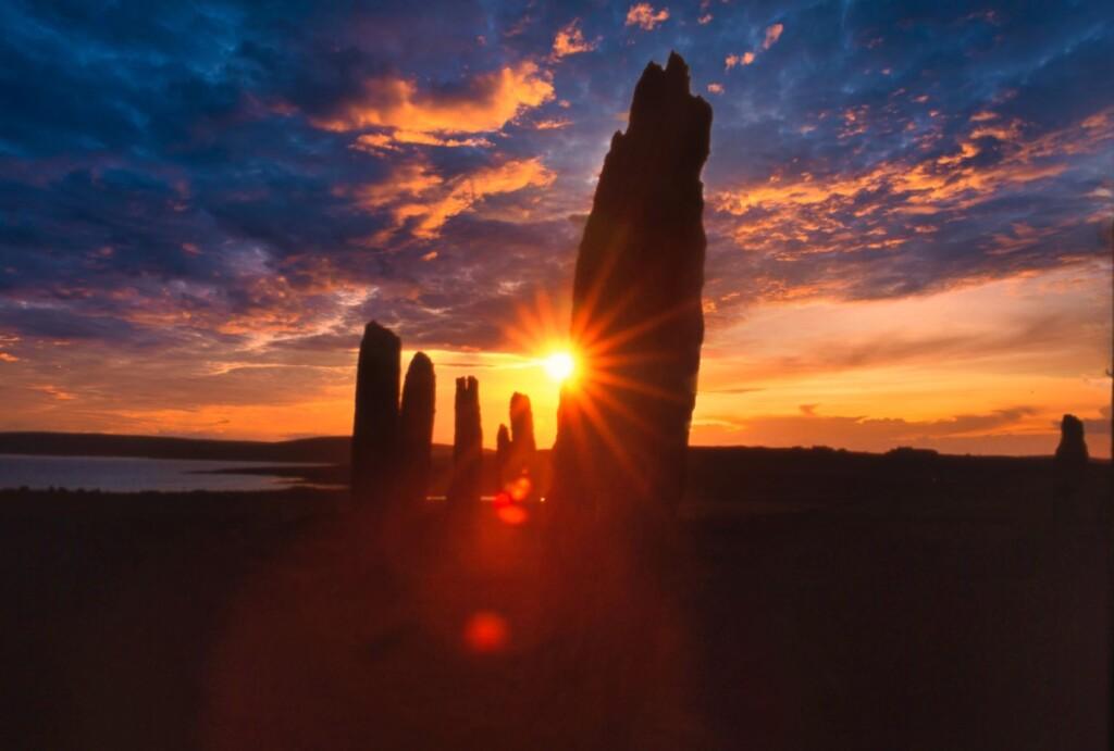 夕日に染まるリング・オブ・ブロッガーの巨石群