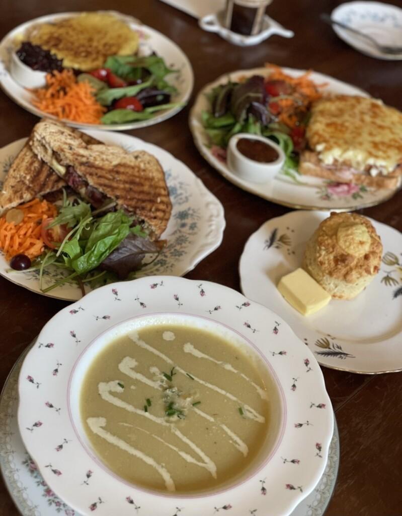 Peacocks Tearoomで提供された食事